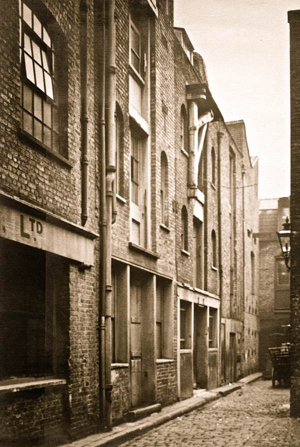 Catherine Wheel Alley (London) | On Books, Streets & Migrant ...